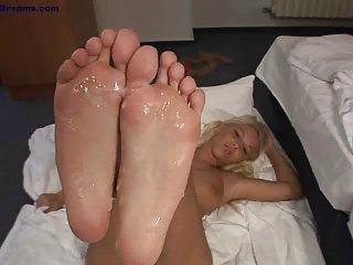 cum on hot soles