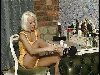 British Sluts Laurel, Jayne, Emma