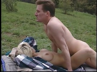 Blonde gets fuck in her ass and pussy outdoors