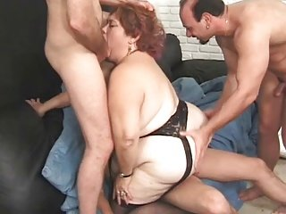 BBW Sindee Fuck By Three Men