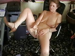British mature with dildo