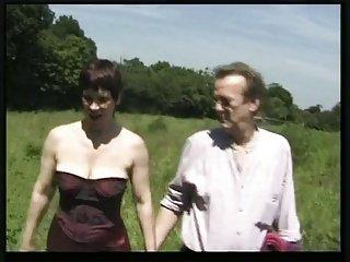 热业余成熟的英式野餐MMF三人组