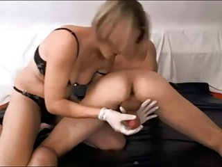 Hot lady ruins 3 orgasms in minutes
