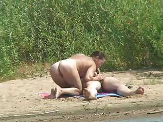 steifer penis am fkk strand public flashing
