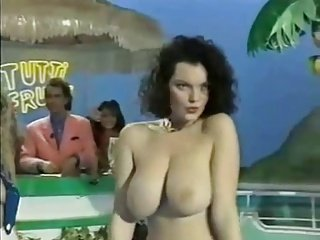 Tutti Frutti - Big Tits Striptease