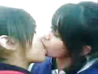 liseli gercek lezbiyenler