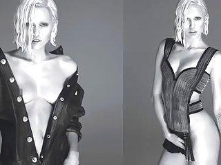 Miley Cyrus - Naked Nipple W Magazine
