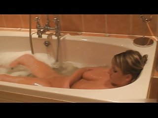 Step-sister in bath