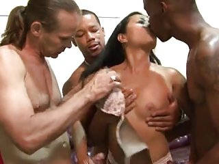 Filipina Lucky Starr takes on multiple black men