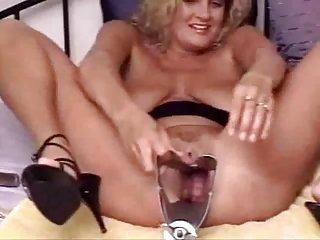 Popular Tube Videos - Deep penetration makes sexy babe reach lots ...