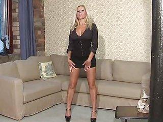 British Slut Natalie (Scarlett March)