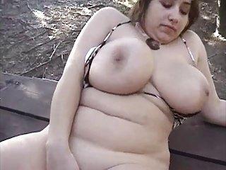 BBW-女孩与巨大的,户外奶子