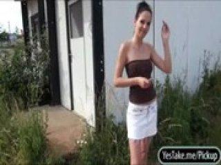 Amateur brunette Eurobabe Ebbi railed in exchange for cash