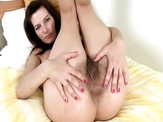 european hot lady vanessa stroking her owen hairy pussy