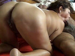 SDRUWS2 - MEXICAN HOT MATURE SUCKS SMALL Dick UNTIL HE CUMS