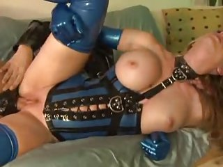 Latex Freaks Angela Attison An Slave