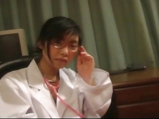 ICHINOSE Sakura as a woman doctor