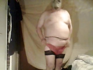 fat crossdresser wanking and in gf stockings