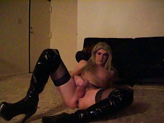 CD TGShawna playing solo in thigh-high boots