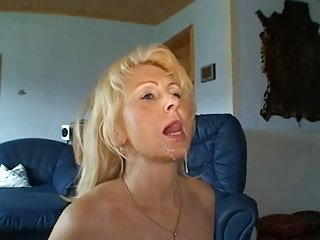 Pretty blonde Hot lady anal and facial