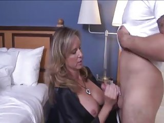 Hot lady Handjob 139