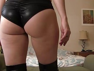 Hot lady JOI 136