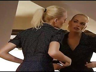 Sexy lesbians