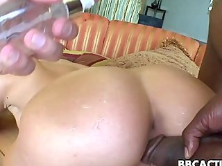 Randy babe gets fuck by big black dick