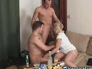 Old widow enjoys two fresh dicks