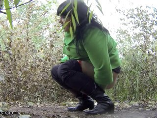 pissing in nature 10488