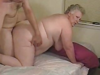 Amateur fat granny enjoys dick