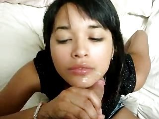 Cute Asian Amateur Teen Gives Great Head