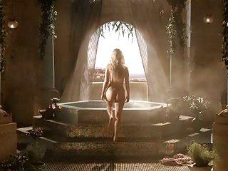 Emilia clarke (games of Thrones)