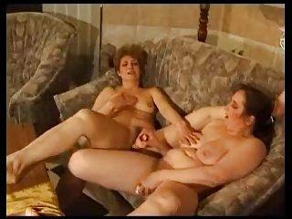 Amateur Lesbians R20