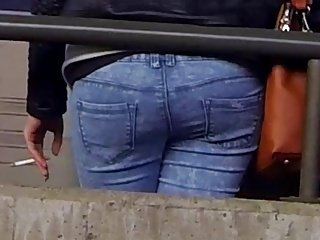 Candid - Nice Ass In Jeans At The Train Station