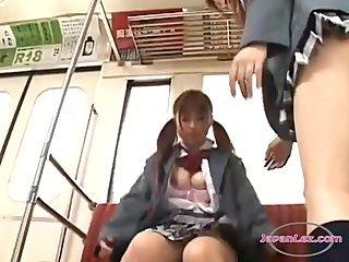 女生接吻获得她的奶碰摩Ñ