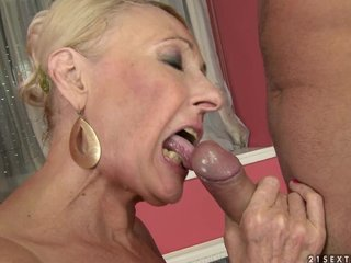 Granny with randy saggy tits fuck