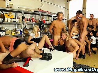 Bisexual fuck train orgy action