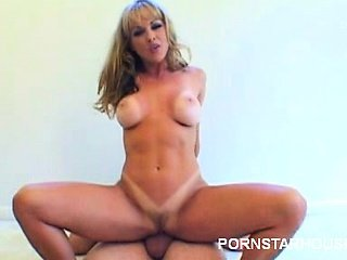 Pornstar Shayla LaVeaux Goes Gonzo