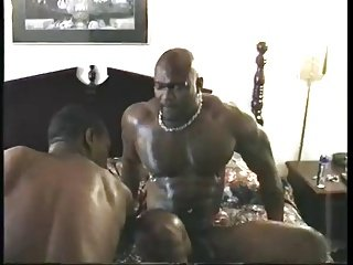 Bobby Blake Fucks Hard In All Black Man On Man Action