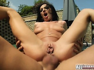 Sexy Alisha has a super fit body with tight abs. She gets