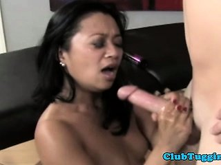 Amateur mature asian jerking dick