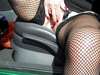 Slut playing in car