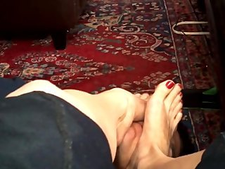 Hot lady Feet Worship