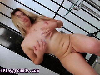 Sexy tranny tugs her dick
