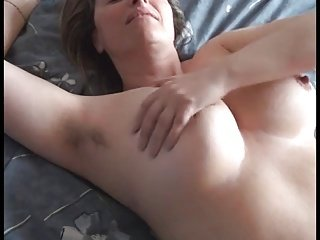 femme poilue frottement et jouir par WF