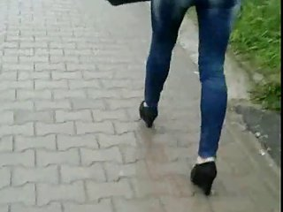 Candid #37 Woman in tight jeans and nice shoes