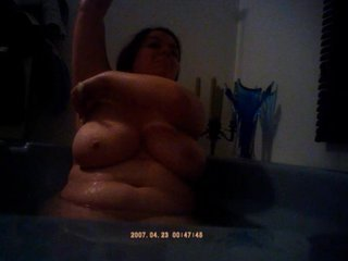 BBW GIRL WITH VERY HUGE BOOBS BATHING/SHAVING