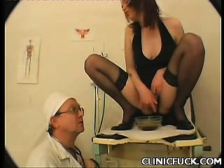 Sexy Babe Enters Sex Clinic