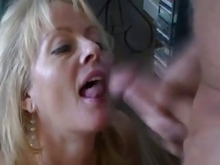 Mature hot lady facial